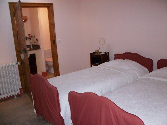 Fabregues, Fransa: La chambre de l'Héritage du Chat, 2ème étage, deux lits individuels.