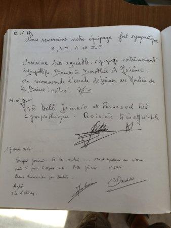 Сент, Франция: Prenez le temps de lire notre livre d'or avant d'embarquer....