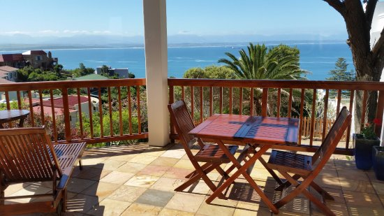 Aquamarine Guest House: Separate Self Catering unit - private sea view patio