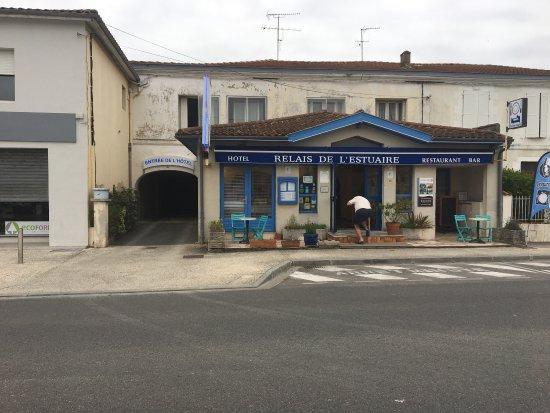 Etauliers, France: photo1.jpg