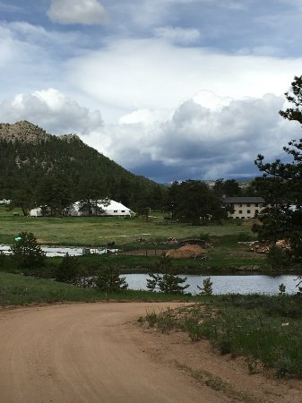 Red Feather Lakes, CO: View of grounds