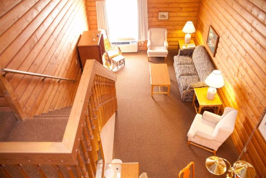 Mequon, WI: Overlooking the downstairs in the loft