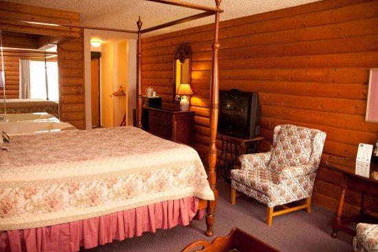 Mequon, WI: Vintage Executive Suite