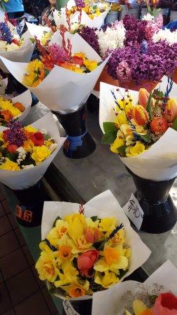 Pike Place Market: Pike Market Fresh Flowers