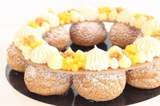 Mi Cielo Patisserie : Choux crown mango-vanilla-passion fruit