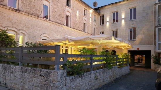 Hotel de l 39 ecu jonzac frankrig hotel anmeldelser for Hotels jonzac