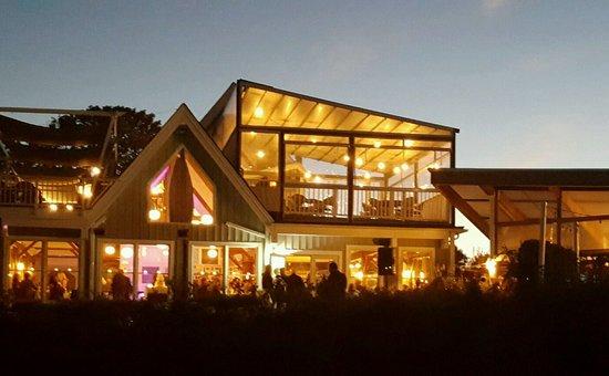 Hampton Bays, NY: Cowfish Restaurant - located directly on the Shinnecock.