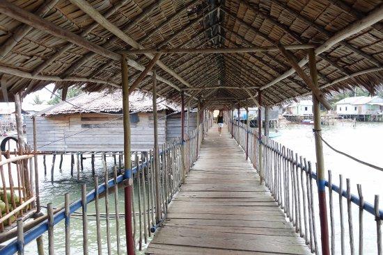 Citra Utama 188: The wooden walkway to the kelong