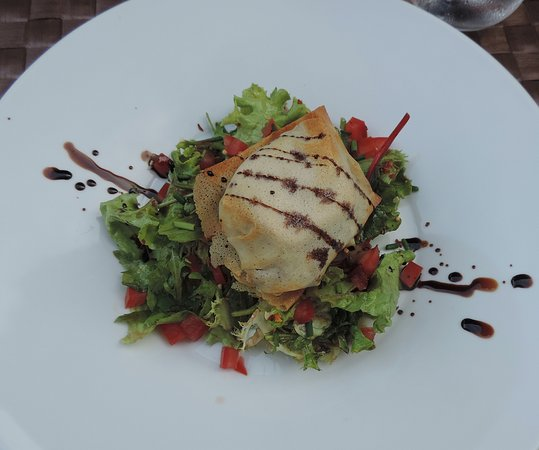 La Paix - Restaurant - Hotel - Tournus : warm chaource in filo pastry