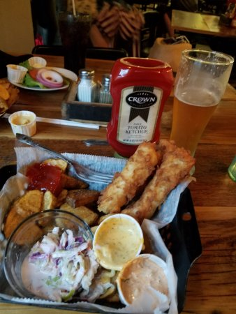 Elizabethtown, KY: Fish & Chips with West 6th IPA