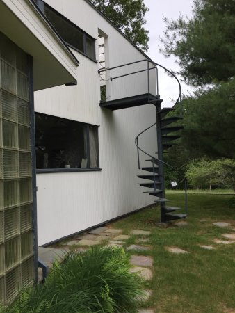 Lincoln, MA: second floor deck access to garden