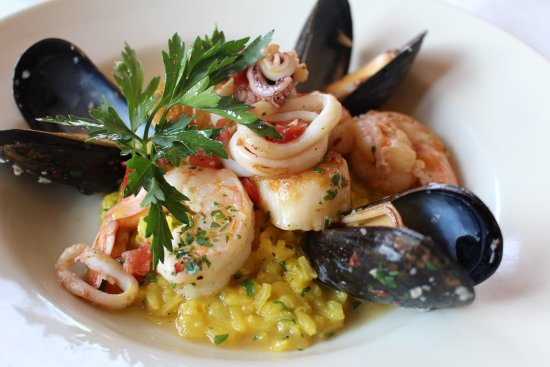 West Dundee, IL: Fresh coastline cuisine -- seafood risotto
