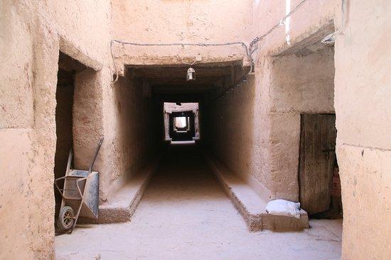 "Tinejdad, Maroko: ""Street"" inside the medina walls"