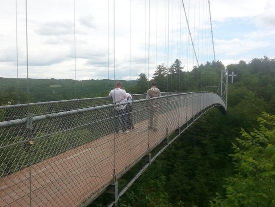 Coaticook, Canadá: The longest foot supension bridge