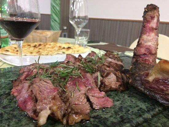 Foiano Della Chiana, Italia: Tagliata di Carne Chianina con rosmarino