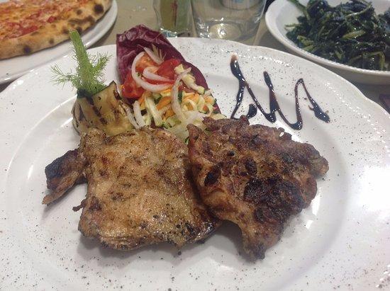 Foiano Della Chiana, Italia: Bistecca di pollo alla griglia