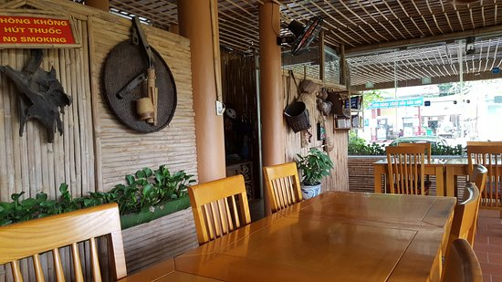 Mai Chau, Vietnam: Hotel restaurant area