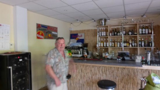 Brioude, France: LE BAR AVEC CONVIVE