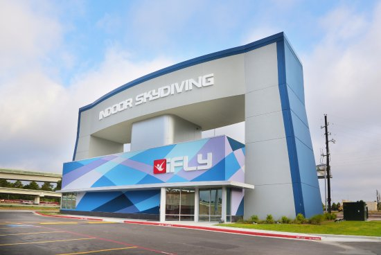 ‪iFLY Indoor Skydiving‬
