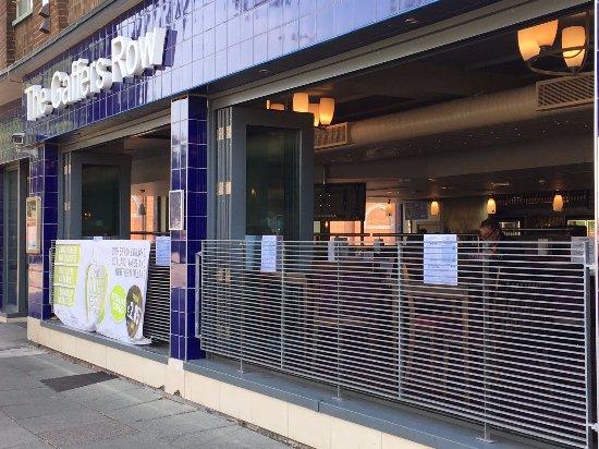 Crewe, UK: Open Side Doors