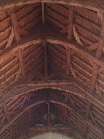 Burford, UK: Ceiling in St John the Baptist church.