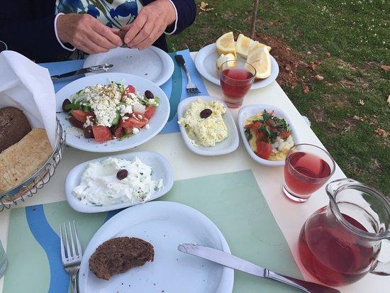 Varkiza, Grækenland: Meze selection