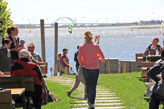 Freier Blick auf die Fehmarnsundbrücke