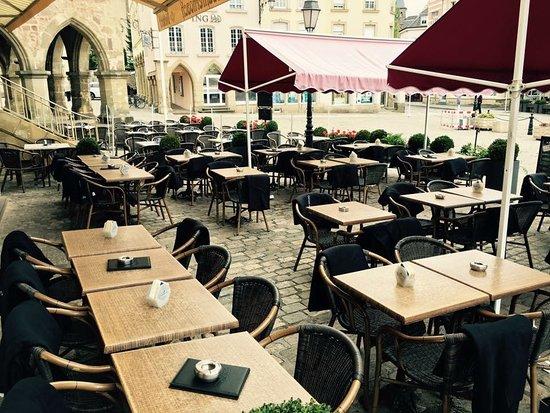Brasserie Aal Eechternoach: Unsere Terrasse vor der Saison