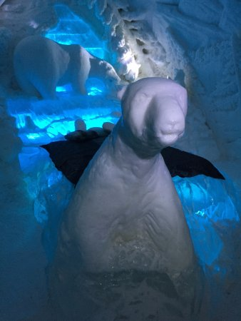 Hotel de Glace: The bear room