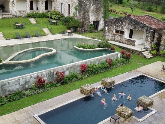 Los Mandarinos Boutique Spa & Hotel Restaurant: Looking down on the pools from the roof of Los Mandarinos