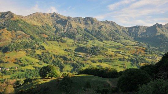 Enclos du Puy Mary: in deze vallei ligt l' Enclos du Puy-Mary