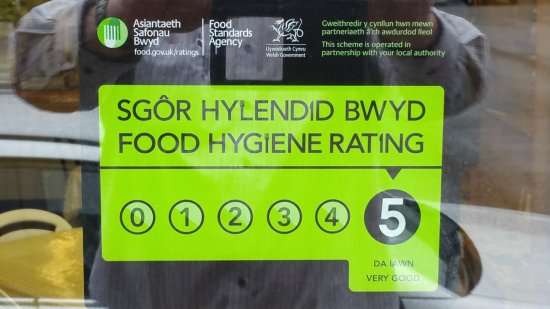Llandovery, UK: Level 5 food hygiene rating.