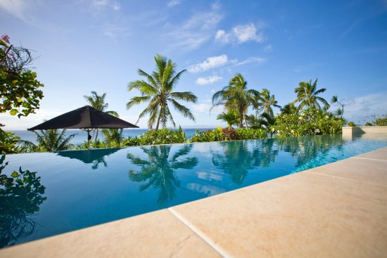 Taveuni Palms Resort: Horizon Pool and Deck