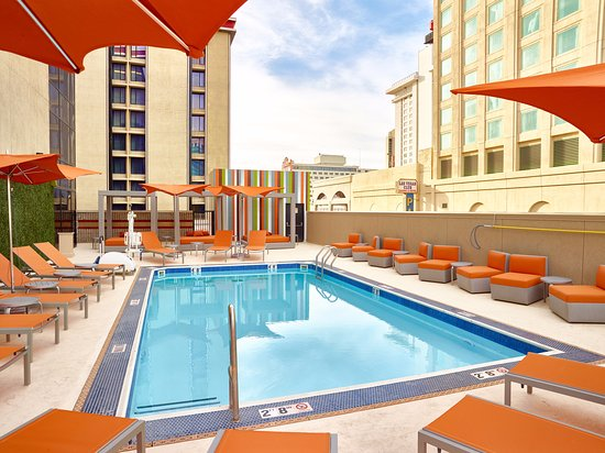 Roof top pool picture of california hotel casino las - Best hotel swimming pools in california ...