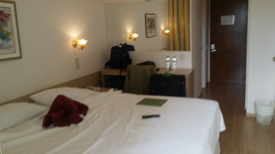 Vouliagmeni, Greece: Inside my room