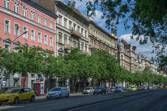 - avenue andrassy Andrassy-avenue-budapest