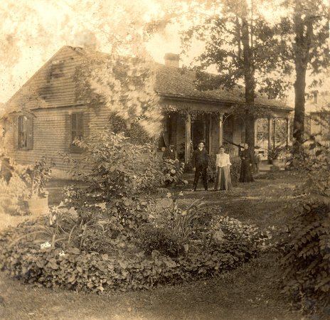 Oaks Museum House: The Oaks in the 1890s with Boyd and McGill family members in front