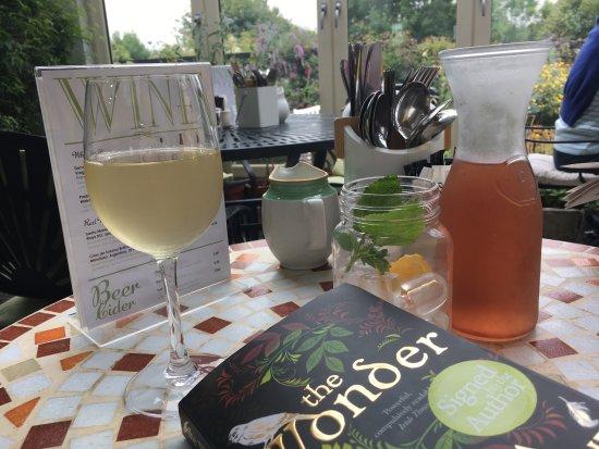 Ballyvaughan, Irlandia: Tea and Garden Rooms