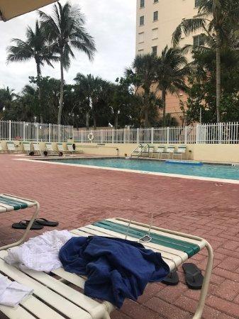 Apollo Condominiums: Pool and hot tub