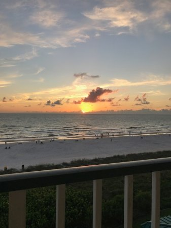 Apollo Condominiums: Sunsets!!!