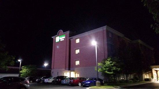 Holiday Inn Express South Photo