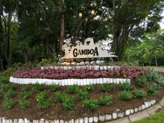 Gamboa Rainforest Resort: Entrance to the resort