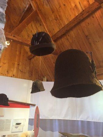 Tadoussac, Canada : 18th century beaver hats