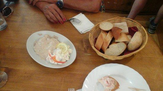 Osteria dai Carrettai: vitello tonnato mit ital. salat.....