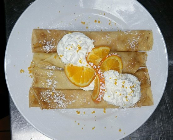 Elgin, IL: GRAND MARNIER CREAM CHEESE CREPES