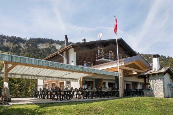 Anzere, سويسرا: Terrasse avec vue imprenable sur les Alpes