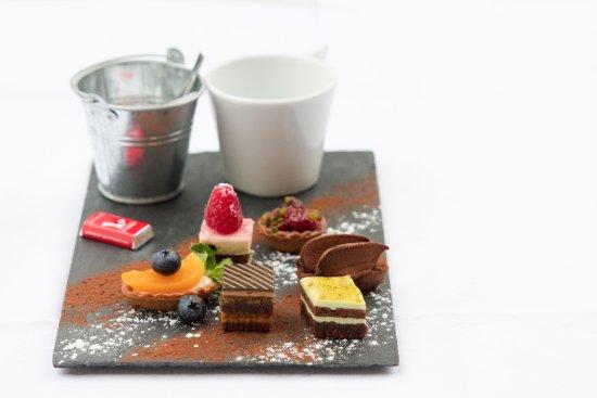 Anzere, سويسرا: Café gourmand