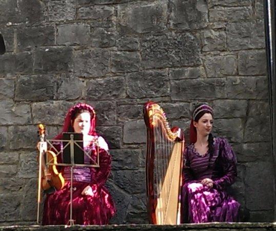 County Clare, أيرلندا: Entertainment