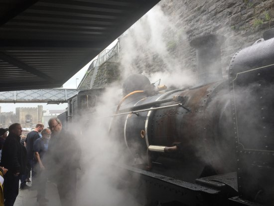 Porthmadog, UK: Steam engine