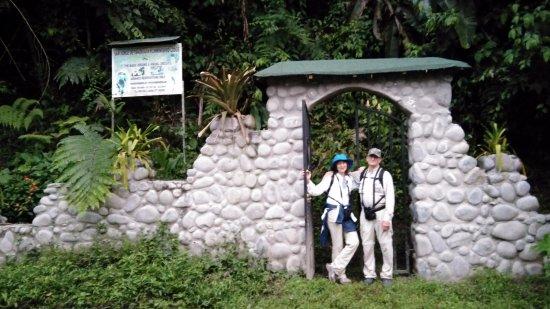 San Jorge de Tandayapa Hummingbird Sanctuary & Lodge NEW Stone Entrance